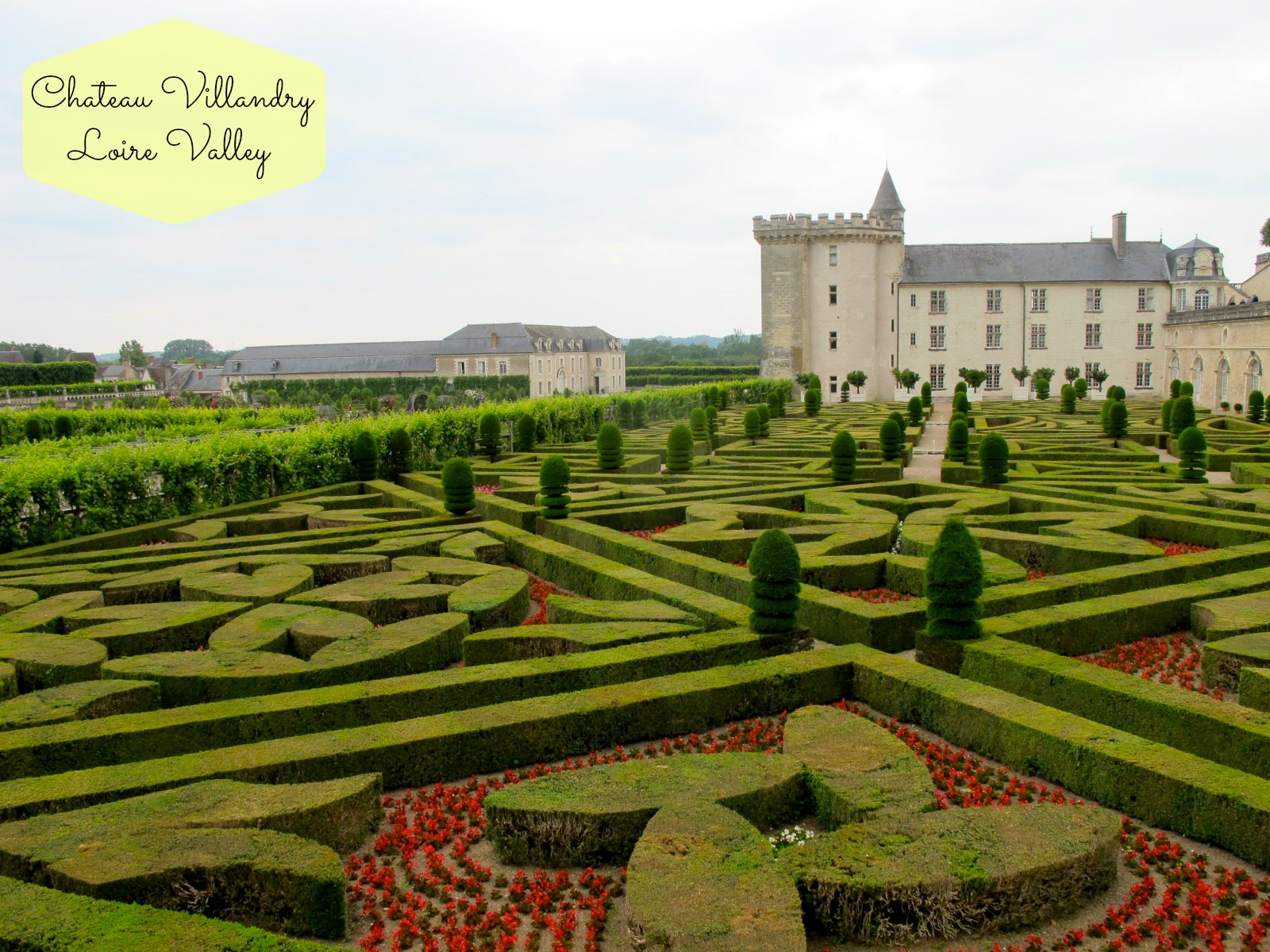 What to eat see do in the loire valley france for Jardin villandry