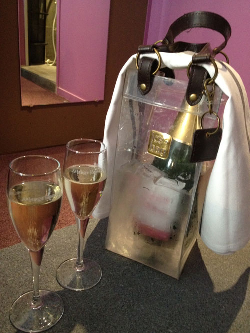auberge flora paris welcome amenity champagne