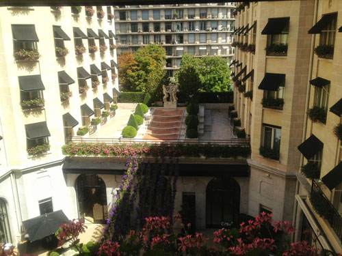 george V courtyard view