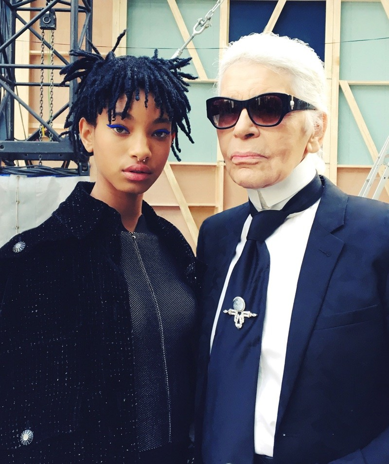 Willow-Smith-Chanel-Fall-2016-Show01